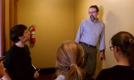Mark Pazniokas talks to Jakes at Capitol